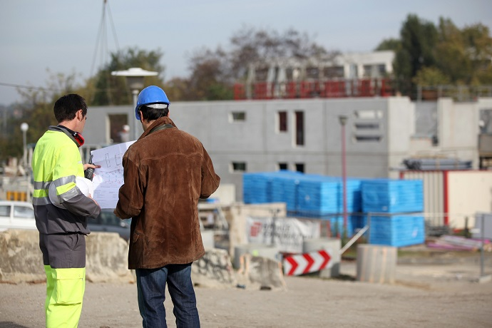 planowanie budowy domu z geodetą