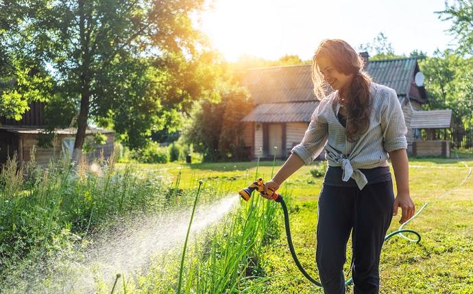 Podlewanie ogródka deszczówką