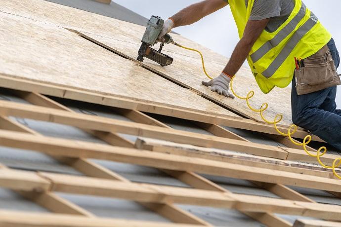 Pokrywanie dachu deskowanie