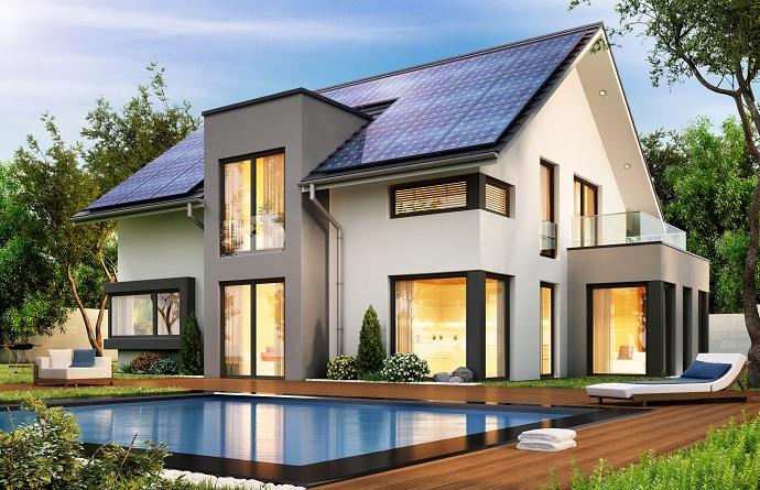 Projekt domu z dużymi przeszkleniami - nowoczesny dom z panelami solarnymi