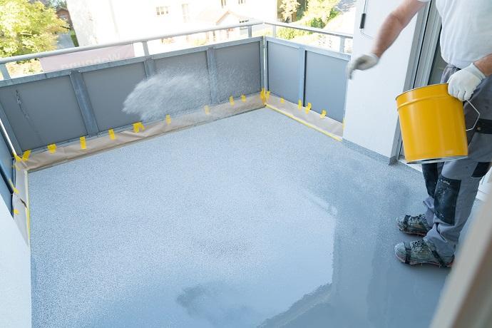 Wykonywanie izolacji i zabezpieczenie balkonu przed wodą