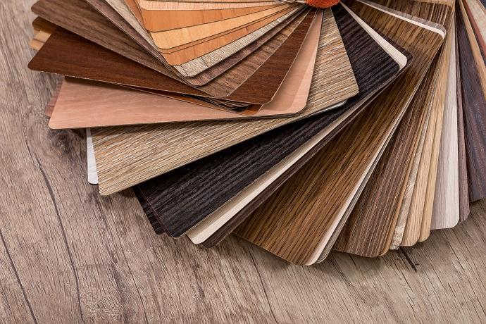 Wzorniki drewna probnik kolorystyczne oraz wzorów różnych drzew